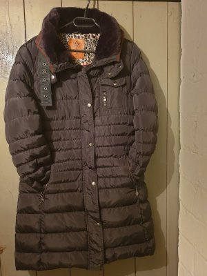 anonymous&famous Quilted Coat black