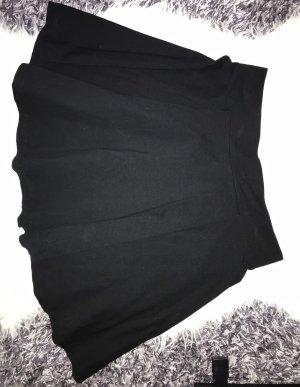 Schwarzer Tellerrock