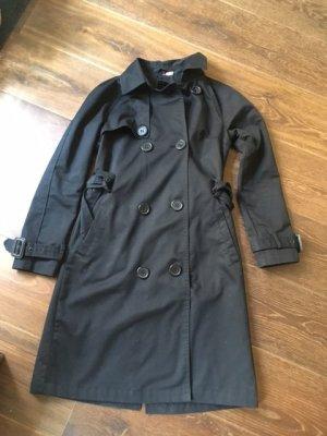 schwarzer Trench Coat