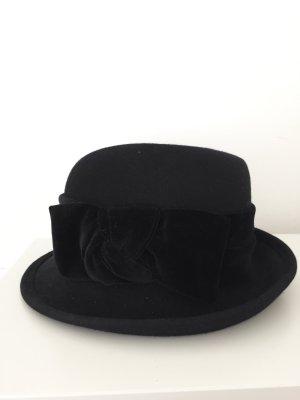 Schwarzer Vintage Hut mit Samtschleife