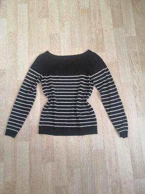 Schwarzer weiß gestreifter Pullover