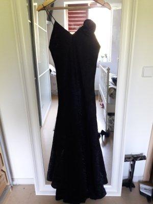 Schwarzes Abendkleid mit Glanzeffekt