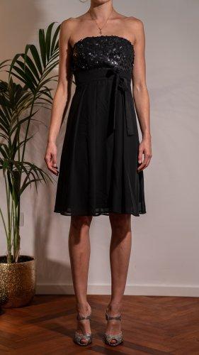 Schwarzes Abiballkleid mit Schleife der Marke Young Couture