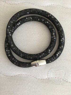 Schwarzes Armband mit Magnetverschluss