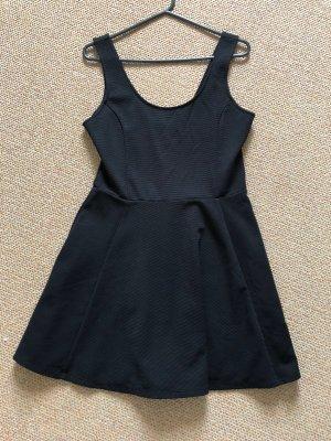 Schwarzes Basickleid Größe 40