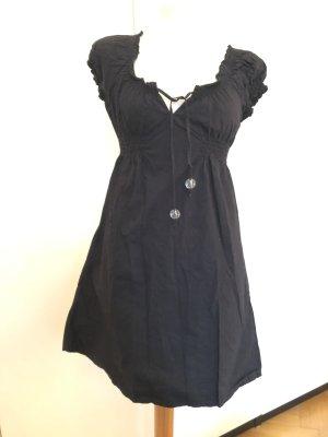 Schwarzes bequemes Kleid