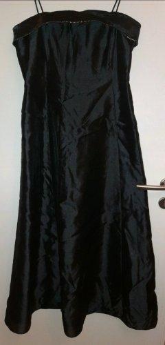 Schwarzes, bodenlanges Kleid von Your 6th Sense (C&A)