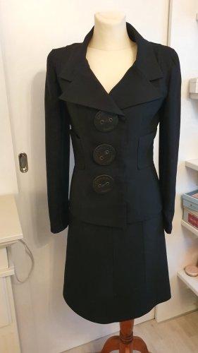 Schwarzes Chanel Kostüm - traumhafter Schnitt - super Zustand