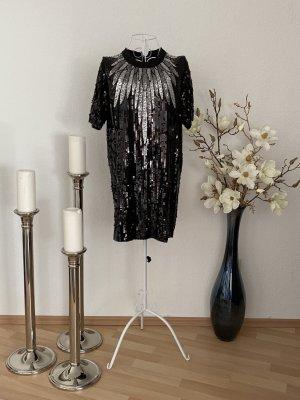 Schwarzes Cocktailskleid