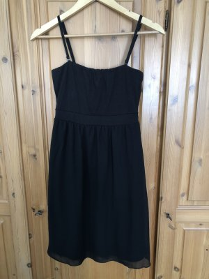 schwarzes edc-Kleid