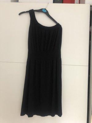 Schwarzes elastisches Sommerkleid