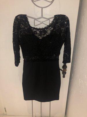 Koronkowa sukienka czarny