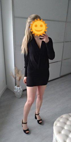 Schwarzes elegantes kurzes Kleid