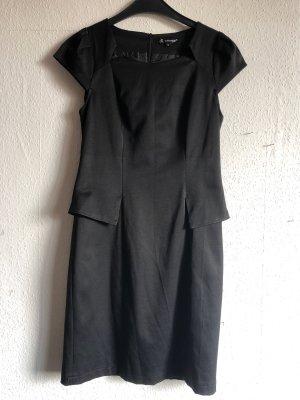 Attentif Robe fourreau noir