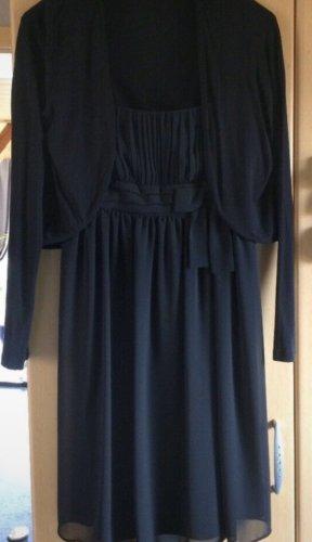 schwarzes feines Kleid mit Schleife
