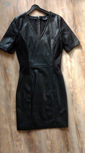 Schwarzes figurbetontes Kleid Miss Selfridge