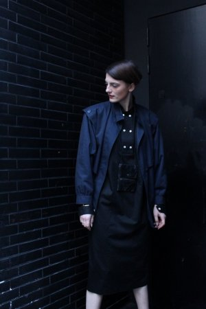 schwarzes Kaftan Military Kleid