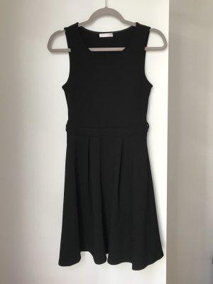 Promod Sukienka ze stretchu czarny