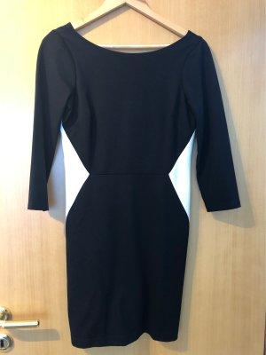 Schwarzes Kleid 3/4 Ärmel Rückenausschnitt