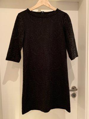Schwarzes Kleid 3/4 Arm