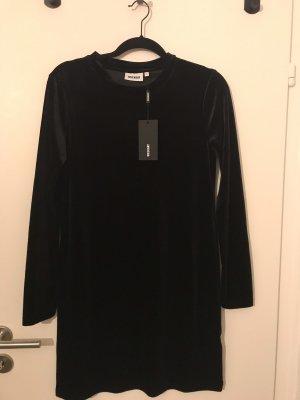 Schwarzes Kleid aus Samt Weekday NEU M