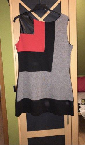 Schwarzes Kleid Bluhmod