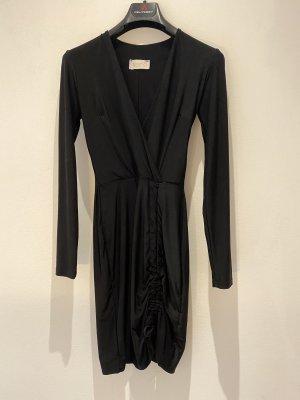 Schwarzes Kleid Club L