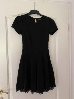 Schwarzes Kleid- Cocktailkleid