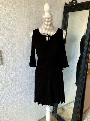 Schwarzes Kleid Cold Shoulder
