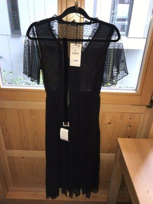 Schwarzes Kleid für besondere Anlässe