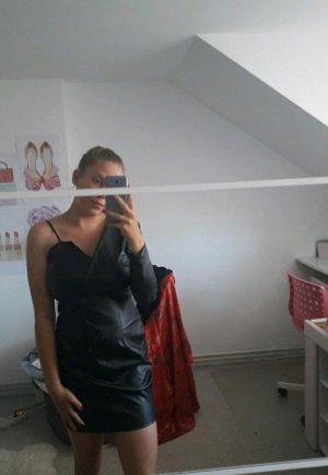 schwarzes Kleid für jeden Anlass