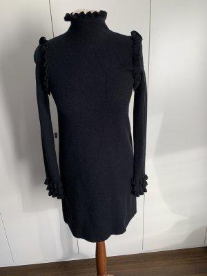 Schwarzes Kleid in Wolloptik von Zara