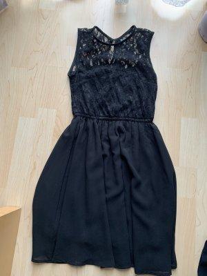 Schwarzes Kleid kurz mit Spitze H&M Gr. A