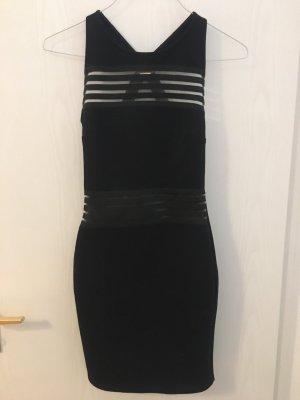 Schwarzes Kleid mit cut-outs