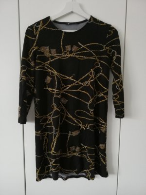 Schwarzes Kleid mit Kordel-Print