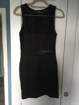 Schwarzes Kleid mit Mesh Einsatz