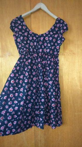 schwarzes Kleid mit Rosendruck von Joe Browns