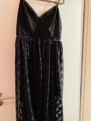 Betsy Johnson. Koronkowa sukienka czarny