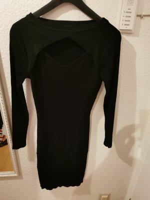 schwarzes Kleid mit tollen Ausschnitt