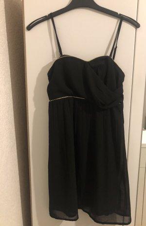 Schwarzes kleid mit verstellbaren Trägern