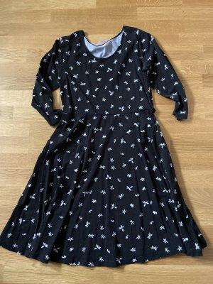 Schwarzes Kleid mit weißen Blumen Muster Gr 40 / 42