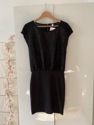 Schwarzes Kleid, neu , Gr. 40