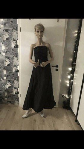 Schwarzes Kleid Sixth Sense