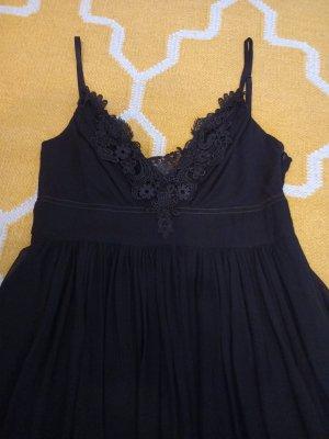 schwarzes Kleid von Ana Alcazar