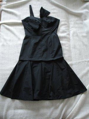 schwarzes Kleid von Barbara Schwarzer