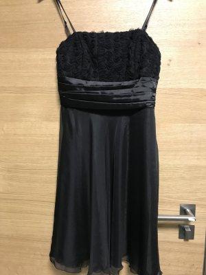 Schwarzes Kleid von CHILLI