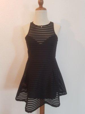 schwarzes Kleid von Guess