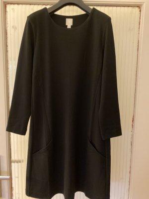 Schwarzes Kleid von H&M NEU