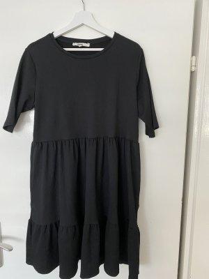 Schwarzes Kleid von KoTon