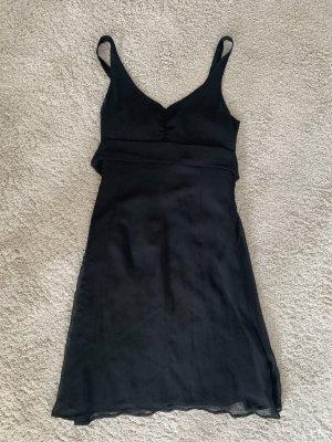 Schwarzes Kleid von La Rochelle